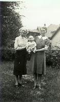 thumbnail of 19400000-l-r-grandmother_grothe-dennis-grandmother_reed.jpg
