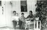 thumbnail of 19440327-meridith_ruth_dennis_3yrs10mon.jpg