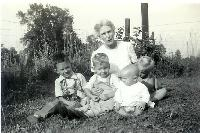 thumbnail of 19450000-b_grandmother_reed-f_l-r_dennis_richard_unknown_unknown.jpg