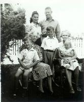 thumbnail of 19480808-the_reeds_with_2_grandmothers.jpg